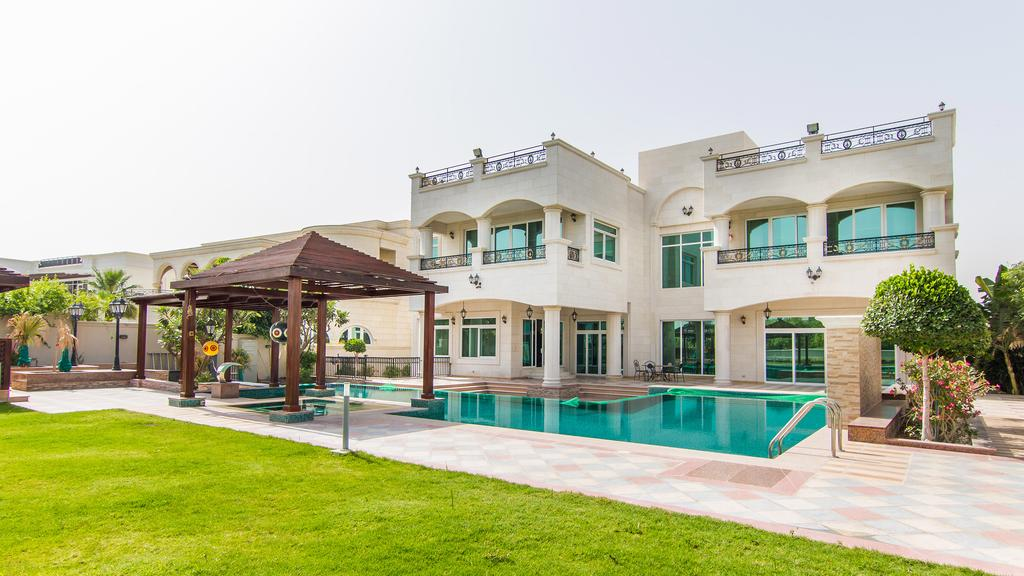 Villas for Sale and Rent in Emirates Hills Dubai