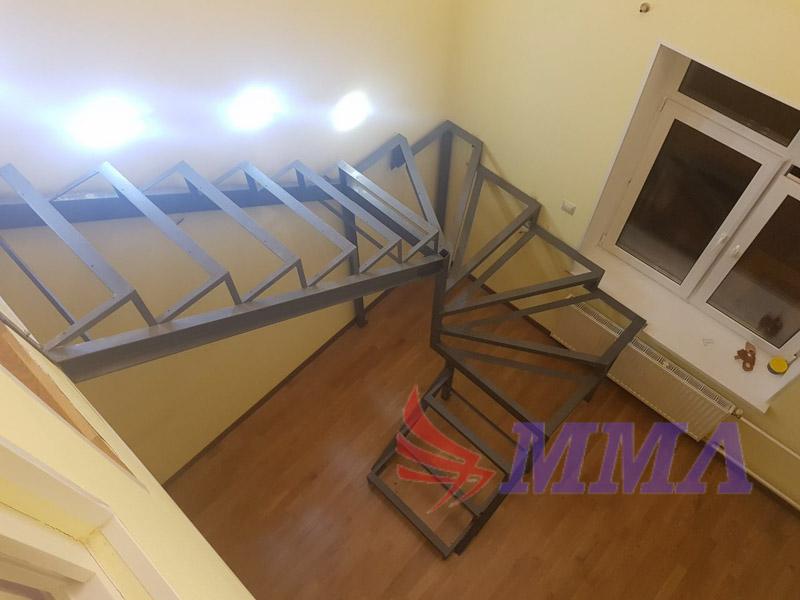 Лестница, квартира, металл, косоуры, швеллер,