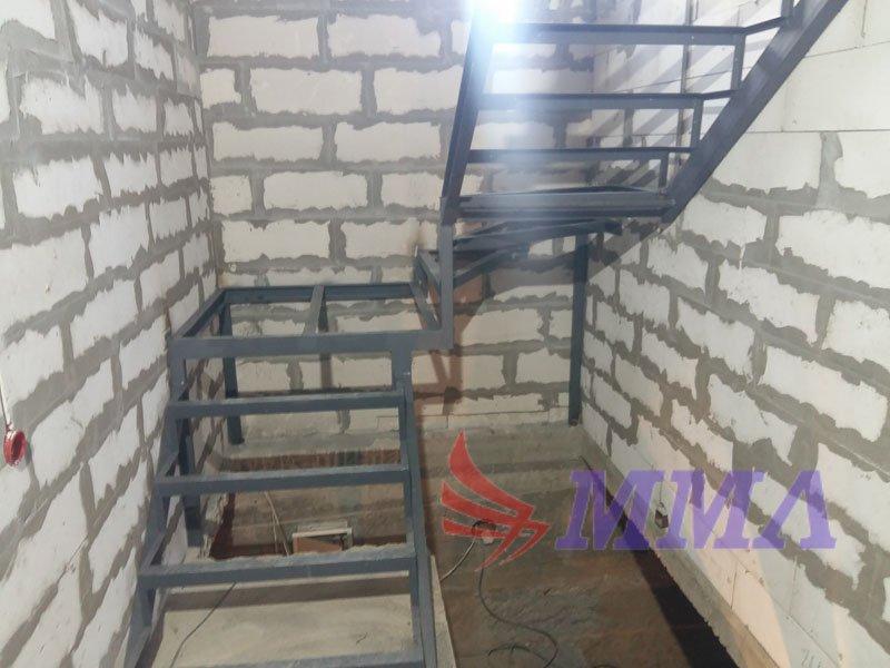 каркас, лестница, дом из пеноблока, лестница из металла,
