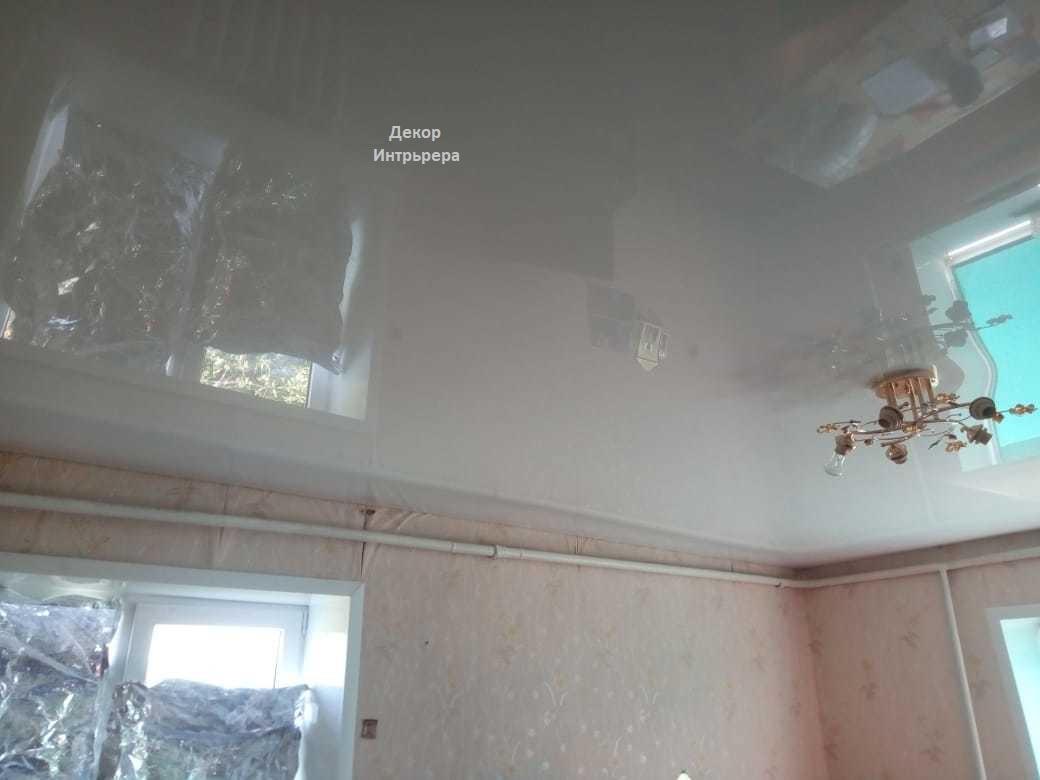 Картинка глянцевые натяжные потолки установить по низкой цене