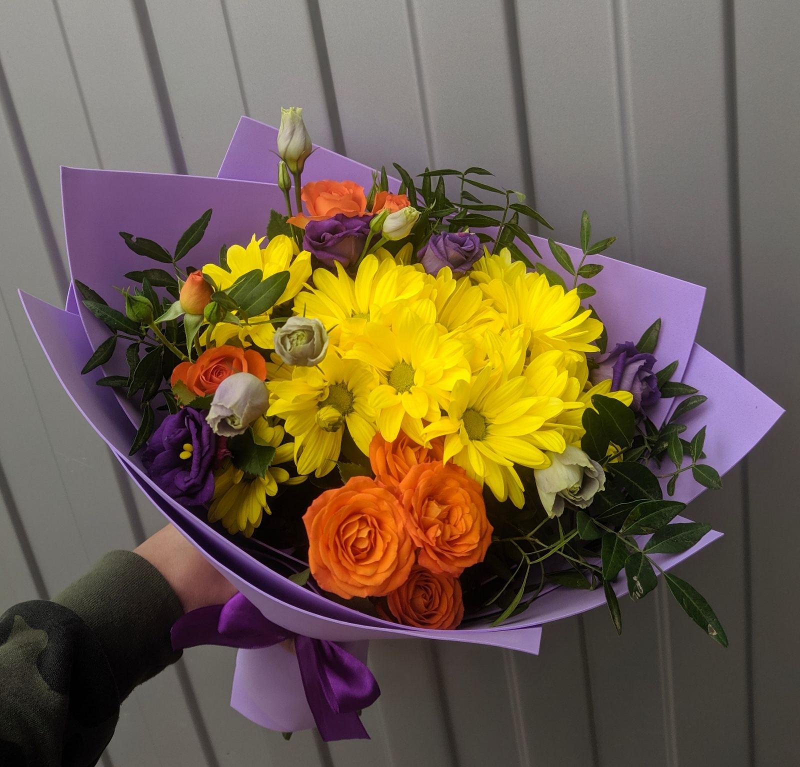 Букет в желто-фиолетовых оттенках
