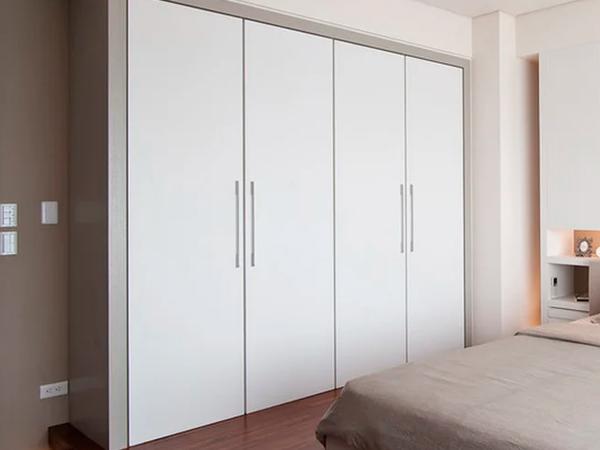 шкафы и гардеробы для гостиниц
