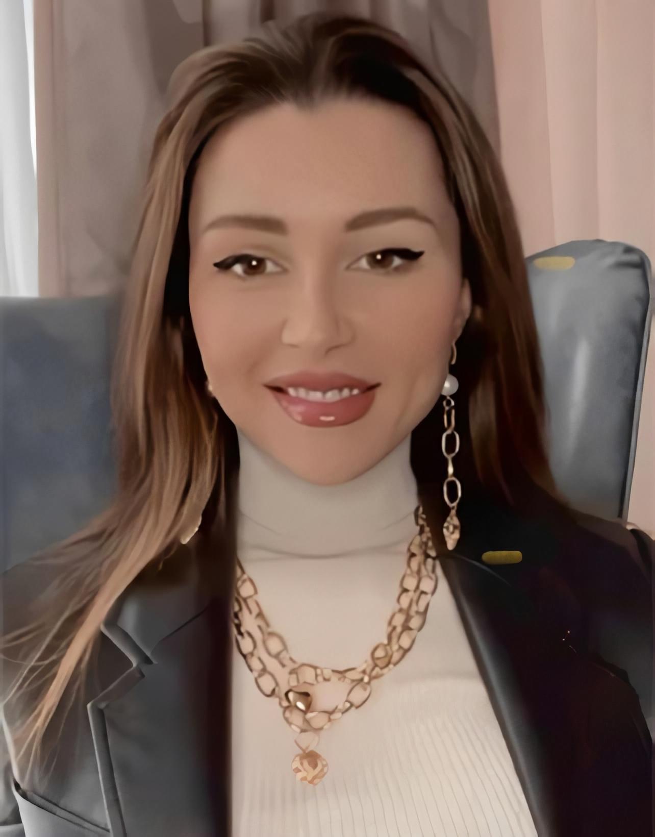 Анна Заворотнюк в украшениях JB Brand