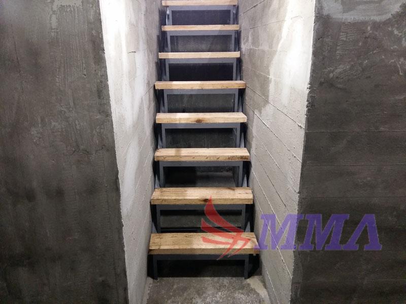 лестница из металла, каркас, металлокаркас,