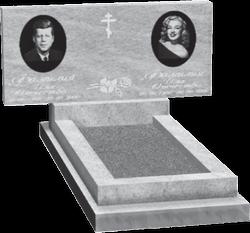 Горизонтальный мраморный памятник на двоих с гранитными медальонами