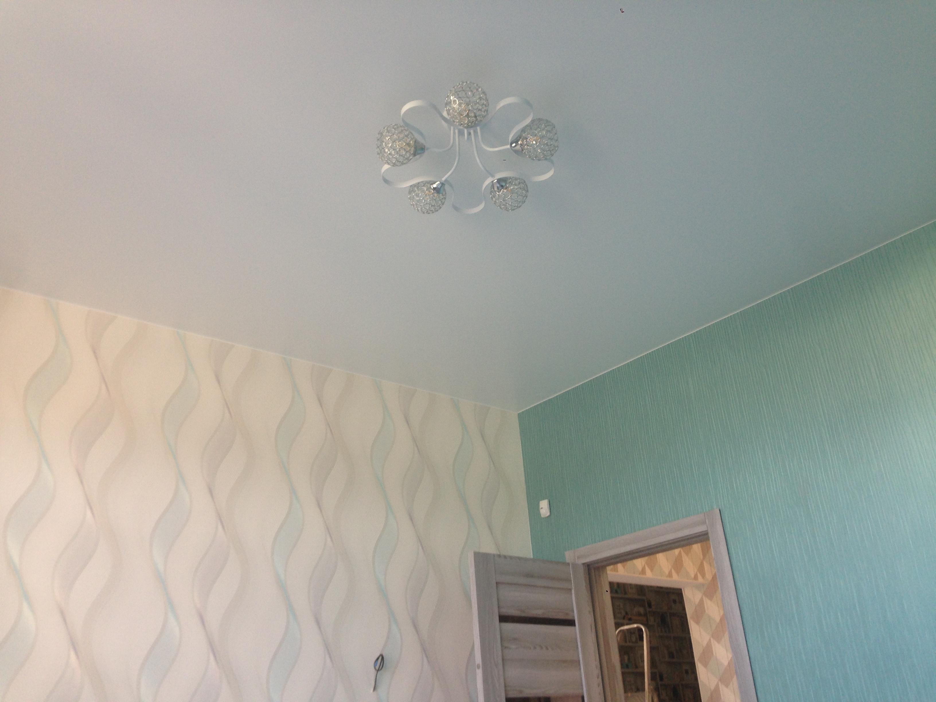 Сатиновый потолок в комнату