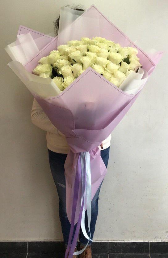 Букет гигант из 51 розы сорта Мондиаль