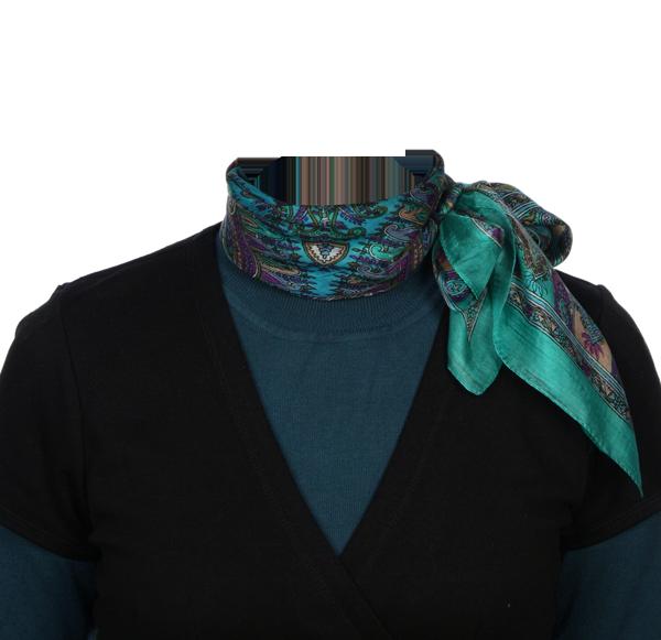 синий свитер срочное фотография