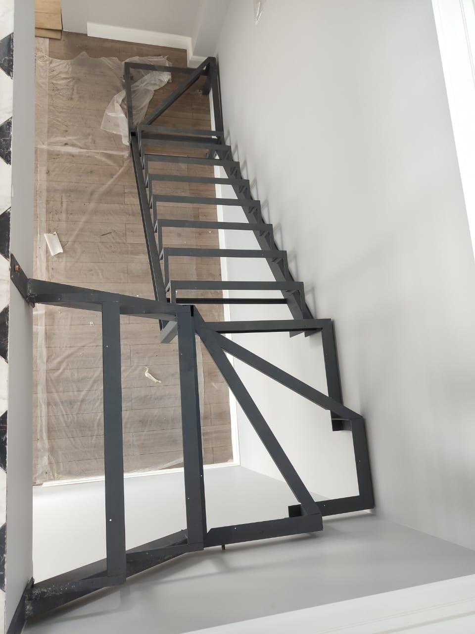 металлокаркас, лестница, каркас, закрытый тип,