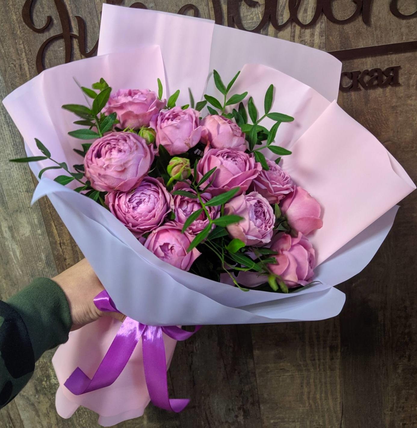 Пять веток сортовых пионовидных роз Мисти баблс