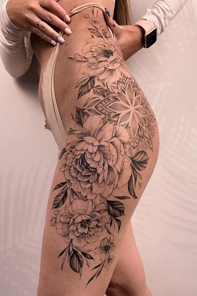 Черная татуировка льва в тату студии Новосибирска
