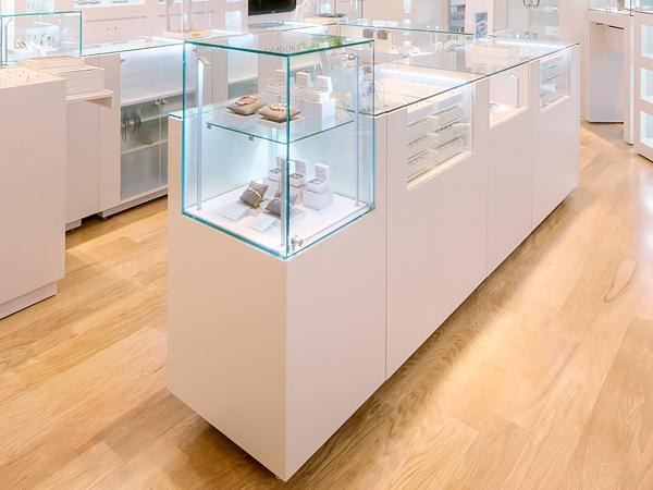 торговая мебель для ювелирных магазинов