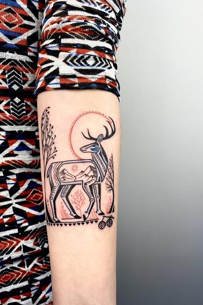 татуировка фотография эскиз мужская на руке рыцарь