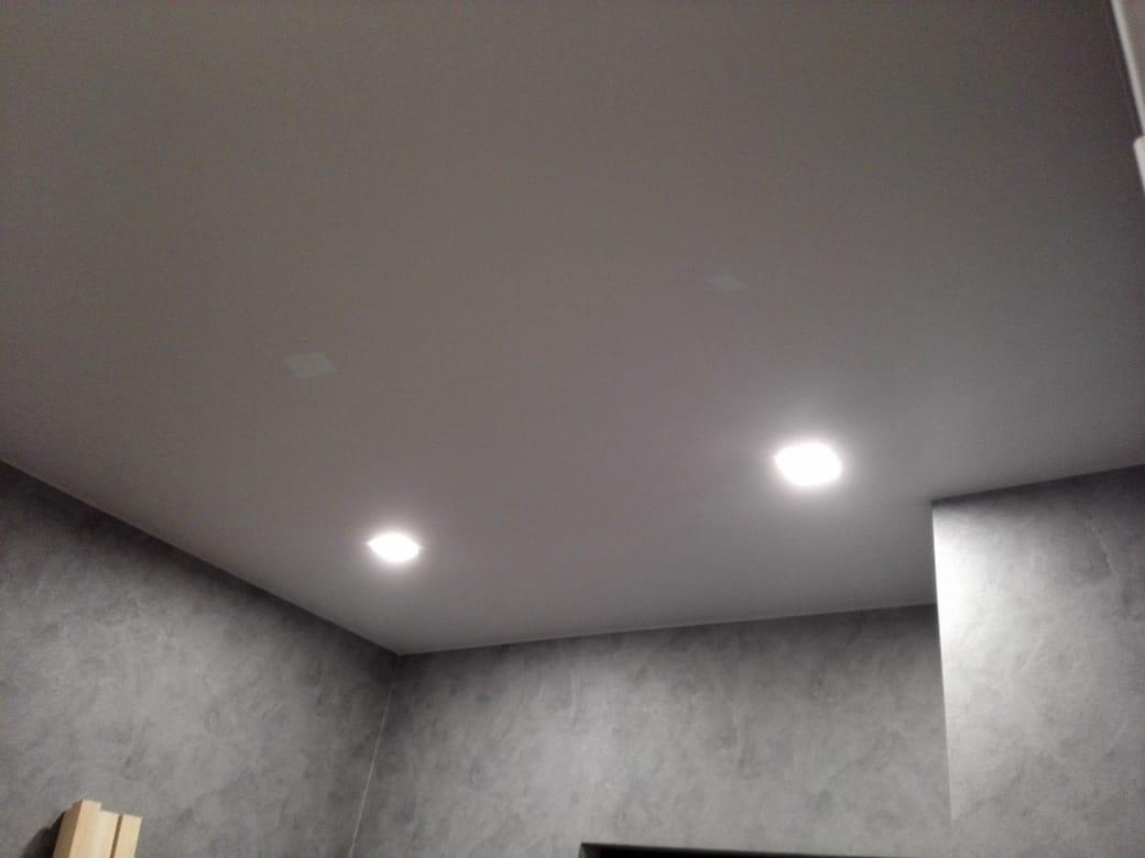 Квартира студия натяжной потолок Зеленоград