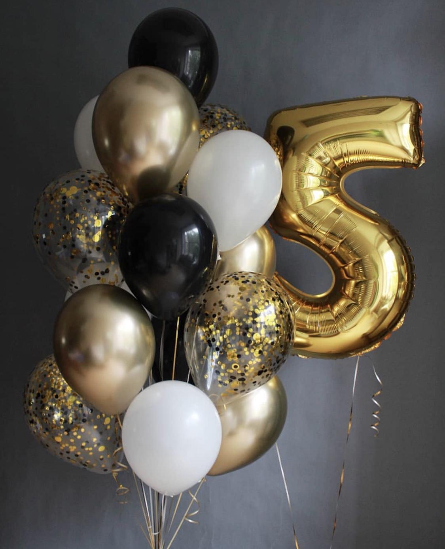Фонтан из шаров с цифрой