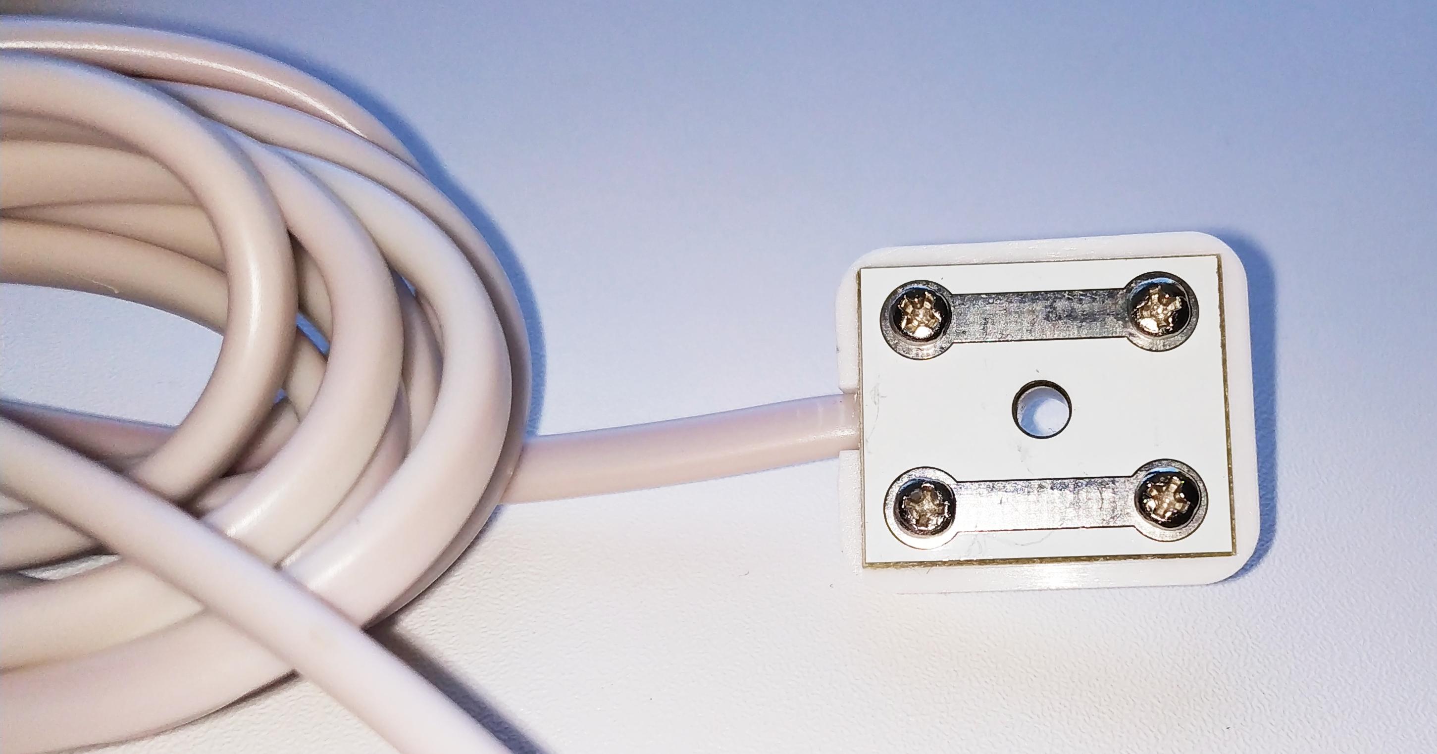 Проводной датчик протечки воды.