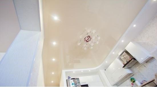 Картинка двухуровневого натяжного потолка на кухне
