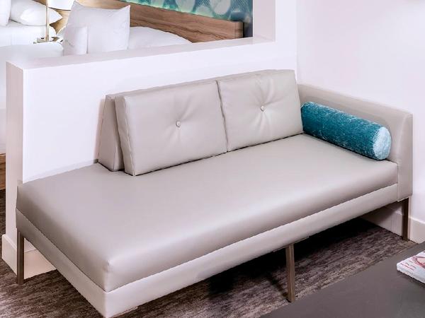 диваны и кресла для отелей