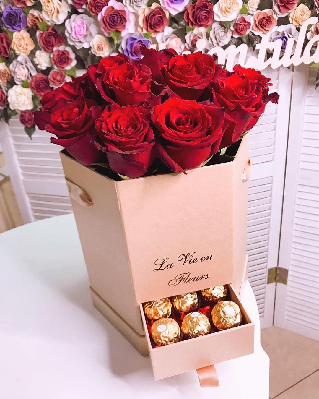 Букет в коробке с конфетами