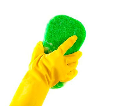 Можно ли мыть натяжной потолок и чем