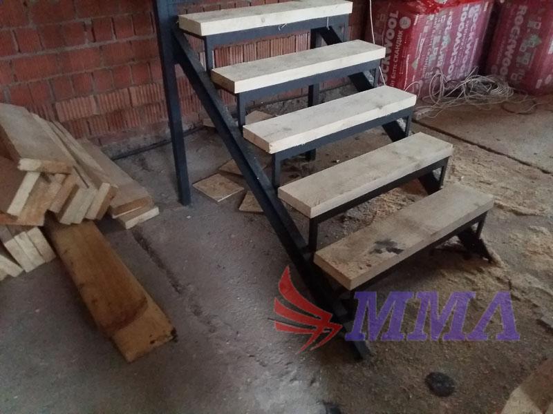 каркас лестницы из металла, металлокаркас лестницы,