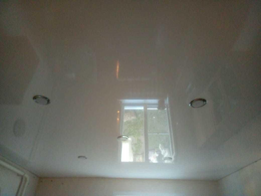 Картинка глянцевые натяжные потолки рассчитать по низкой цене