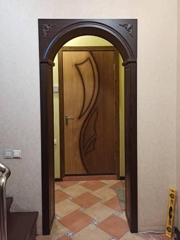 Дверная арка с декором