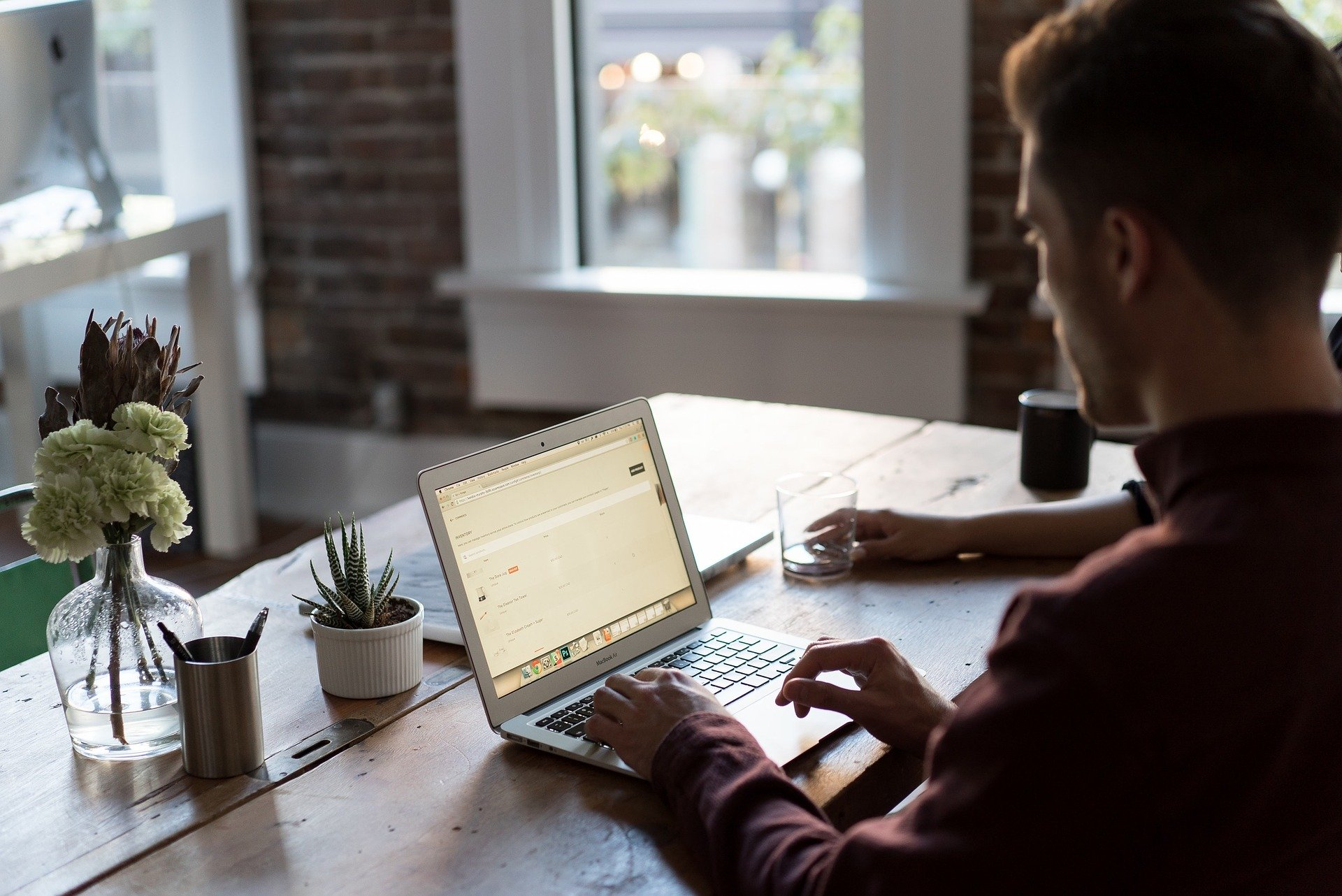 мониторинг публикаций и упоминаний
