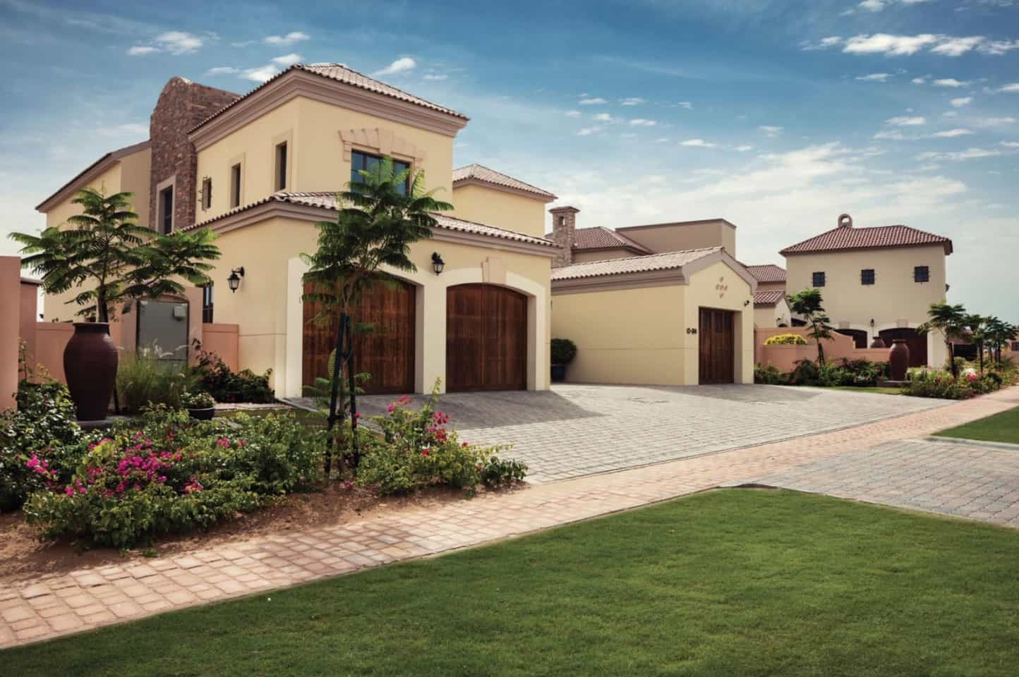 Villas for Sale and Rent in Jumeirah Golf Estates Dubai