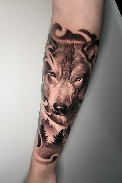 тату с изображением волка