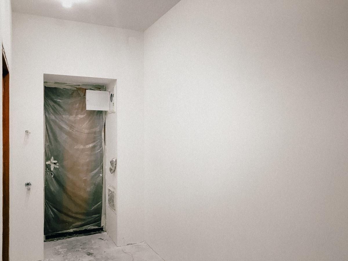 покраска стен краской Benjamin Moore Kitchen Bath