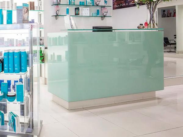 торговая мебель для магазинов косметики