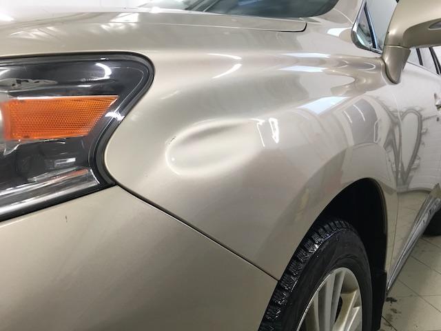 вмятинка на Lexus