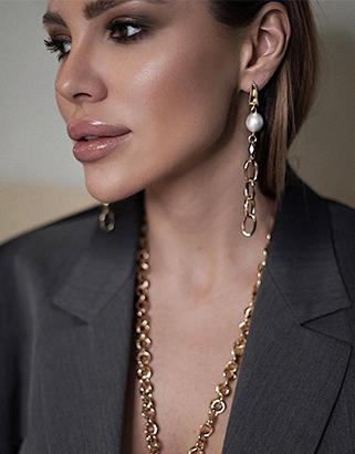 Лиза Шатилова в украшениях JB Brand