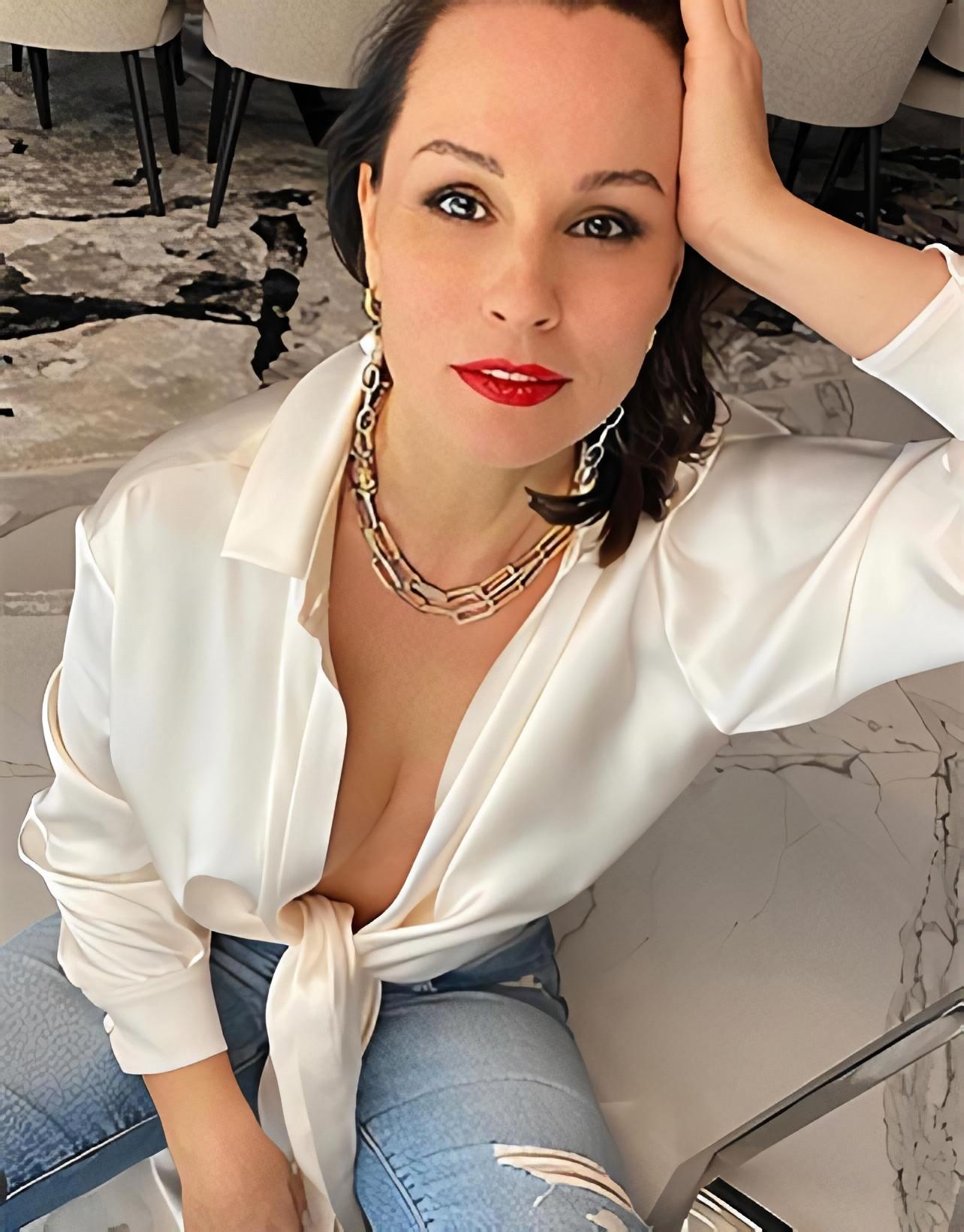 Екатерина Кожевникова в украшениях JB Brand