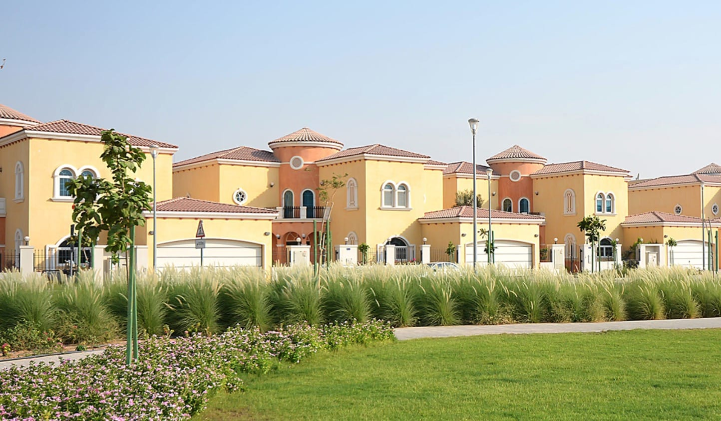 Villas for Sale and Rent in Jumeirah Park Dubai