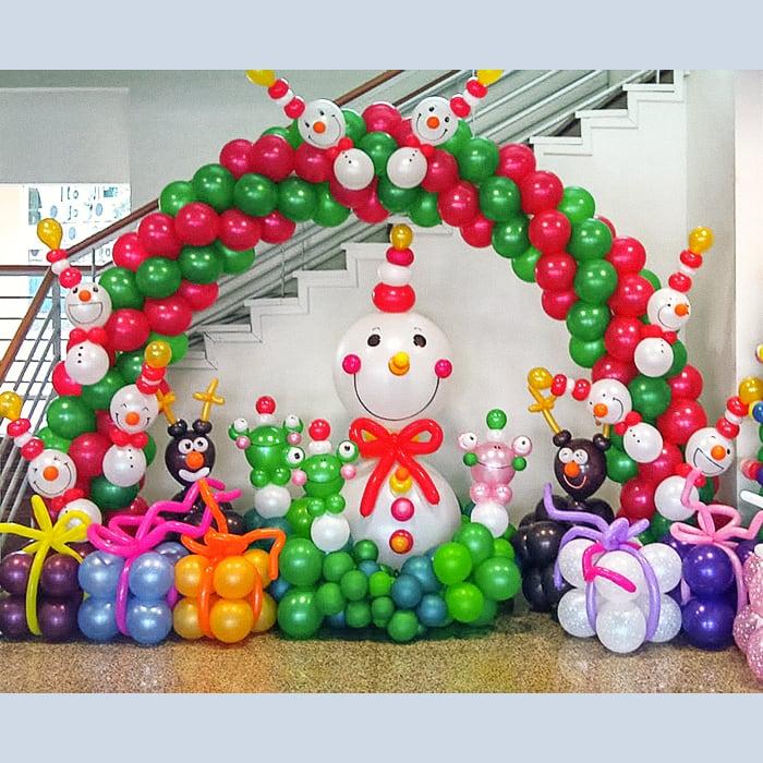 Новогоднее оформление из шаров