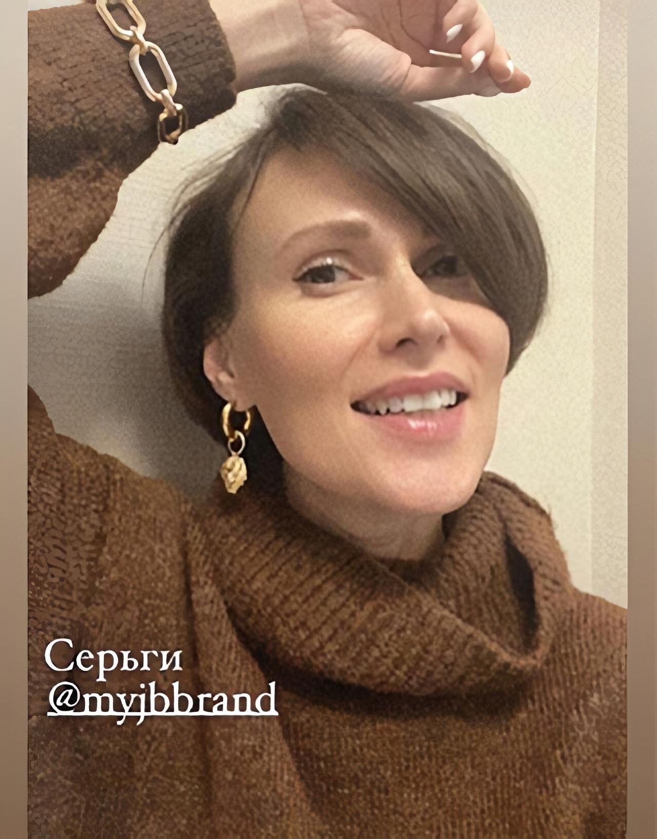 Юлия Муравьева в украшениях JB Brand