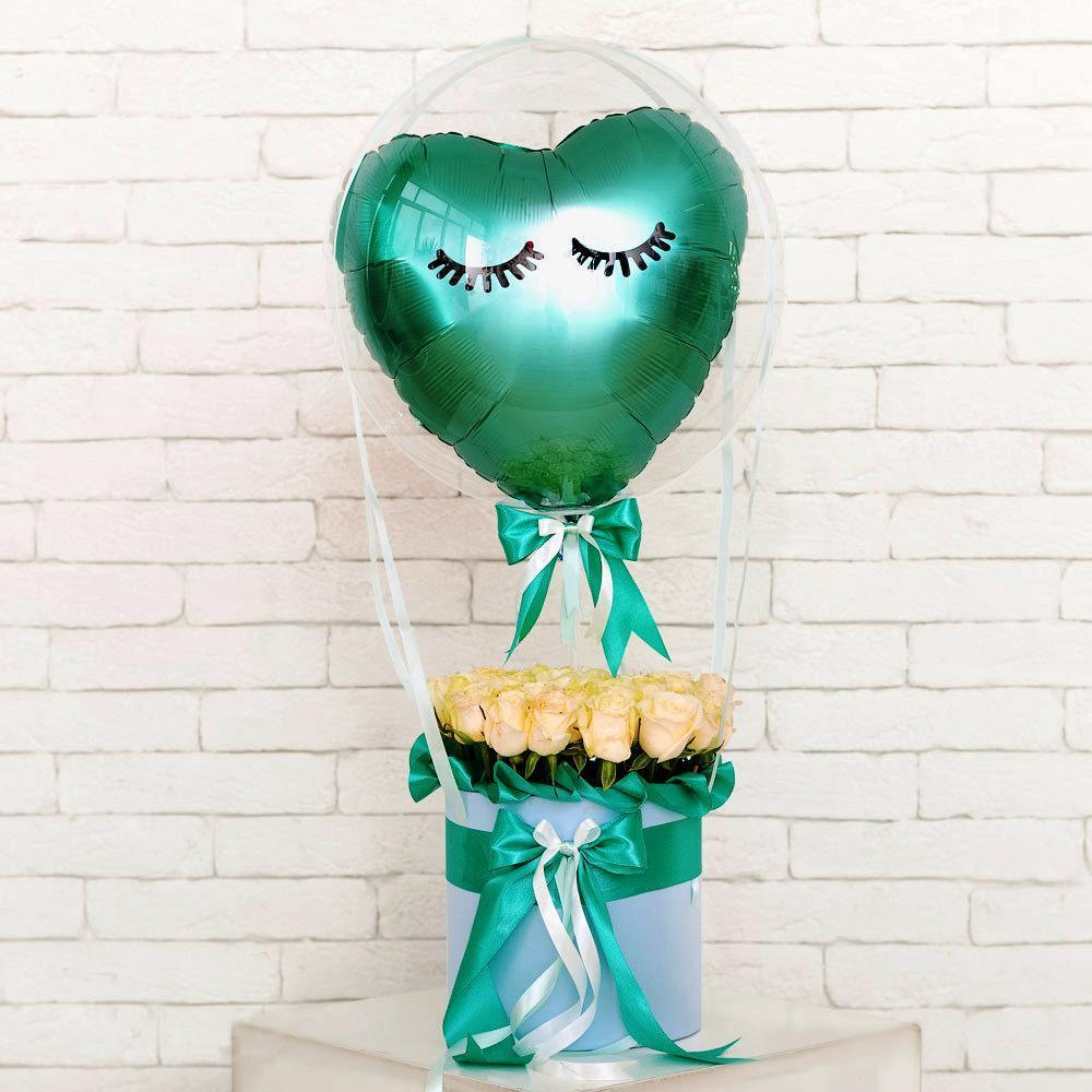 Розы в коробке с шаром внутри шара