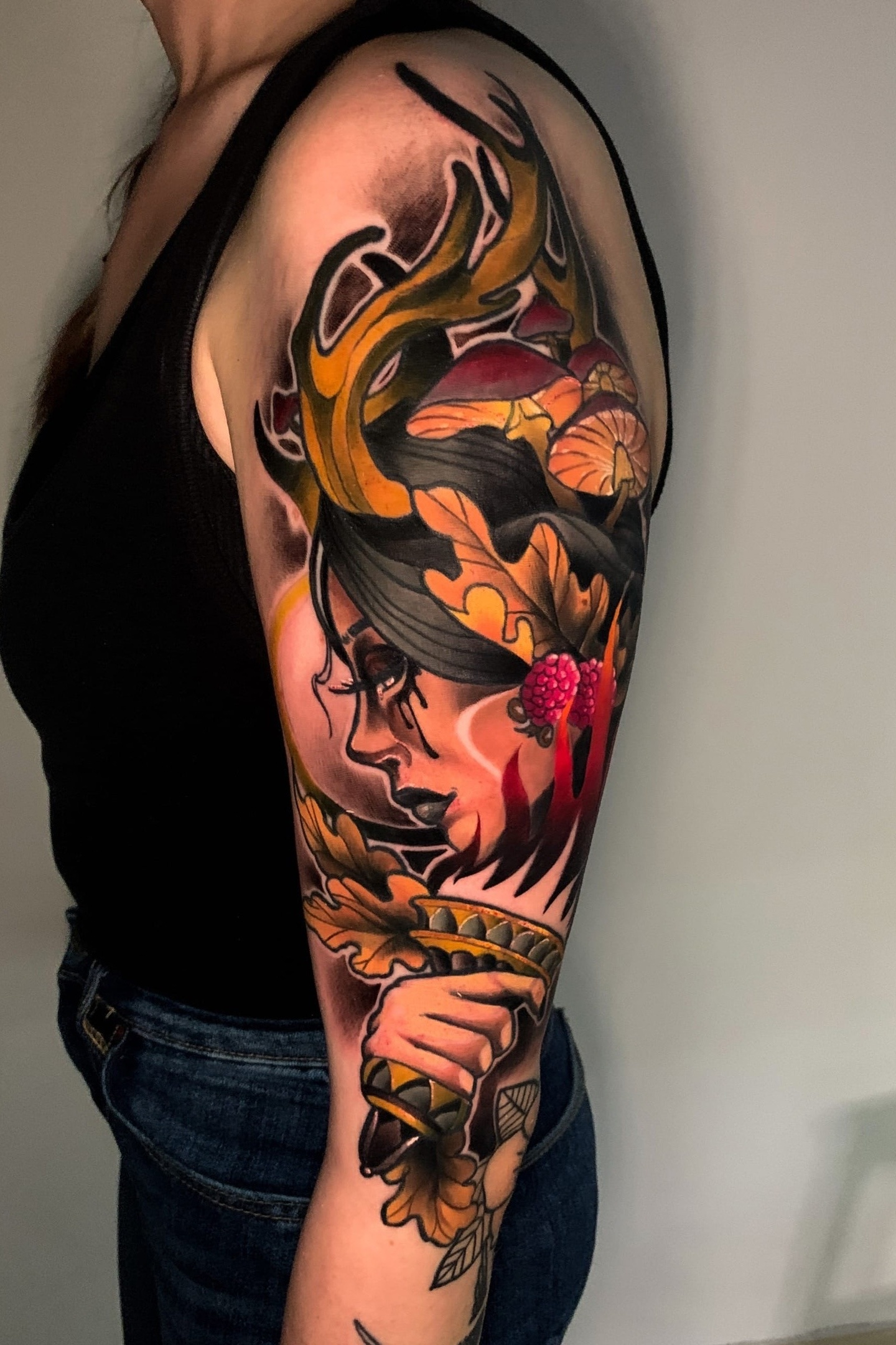 Татуировка в стиле традишинал