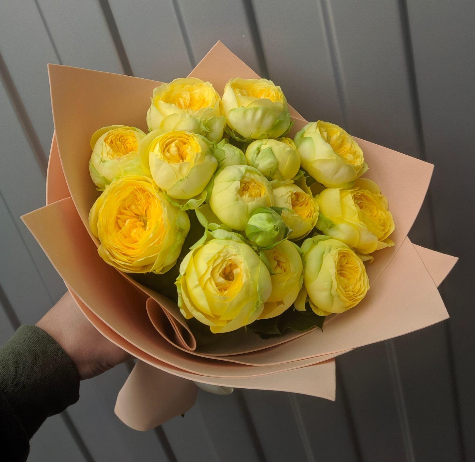 Букетик с розами еллоу баблс
