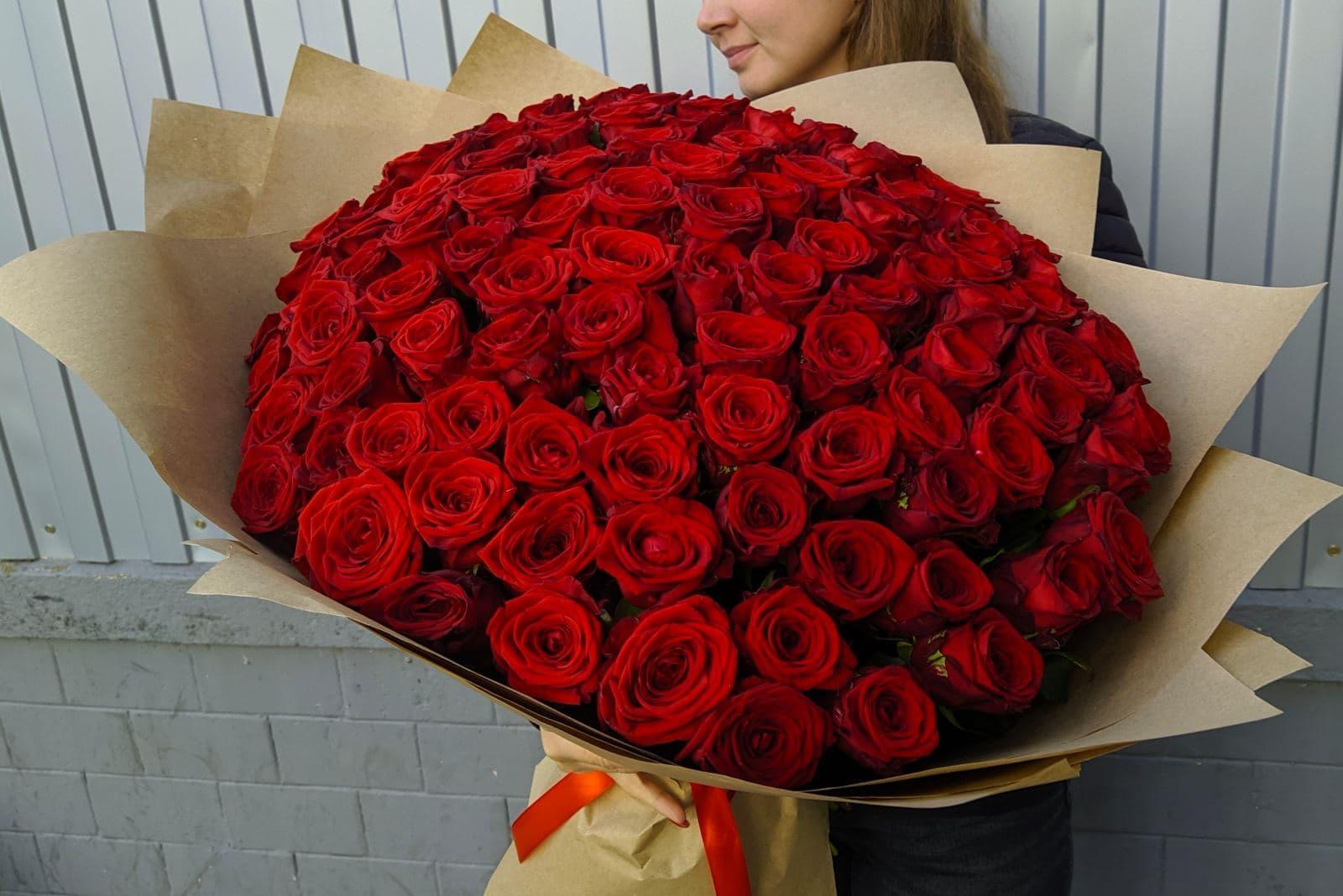 Букет из 101 розы Ред Наоми 60 см