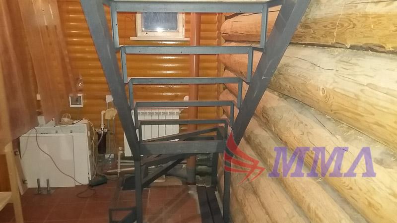 лестница марш, лестница в дом, каркас лестницы из металла,