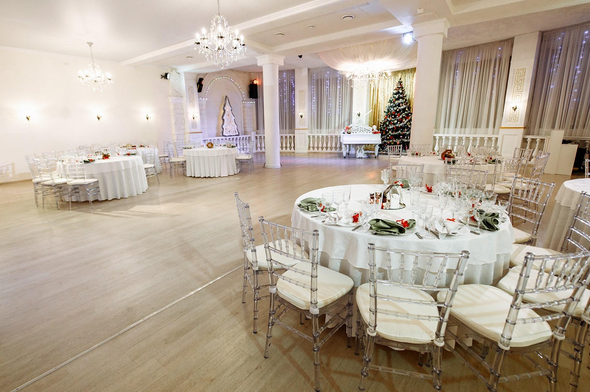 Интерьер ресторана на до 100 гостей