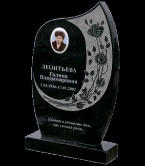 """Памятник из гранита формы """"свеча"""" с гравировкой роз вокруг портрета"""