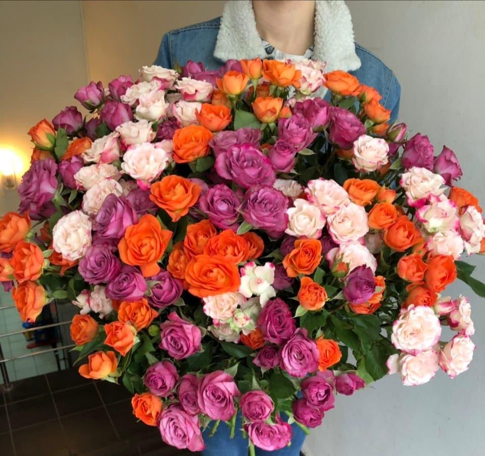 35 кустовых роз микс