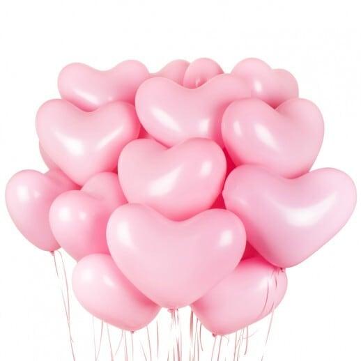 Облако из розовых шаров сердец