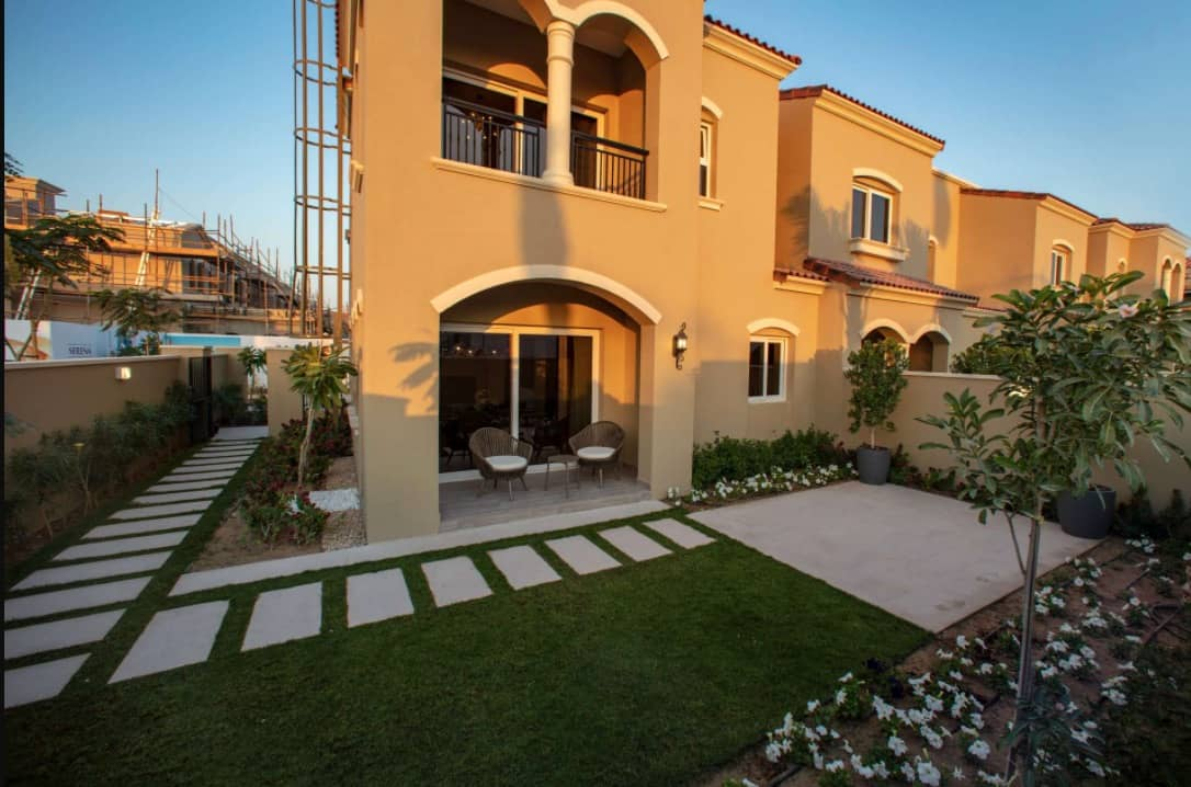 Buy, Rent and Sell Villas in Serena