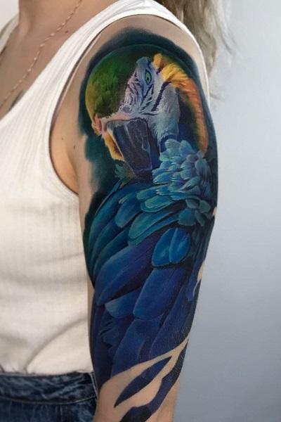 цветная тату птицы в реализме