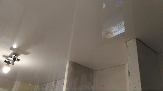 Картинка глянцевые фактуры натяжных потолков от 199 руб/м2 - Декор Интерьера